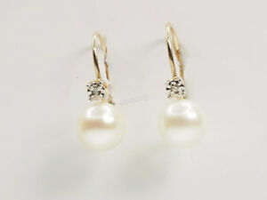 10kt Yellow Gold Diamond and Pearl Earrings