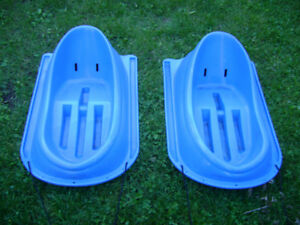 2  TODDLER  PLASTIC  SLEDS (used)