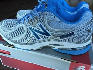 NEW BALANCE WOMENS Running/Trainer Shoes Grey/Blue WR860BS