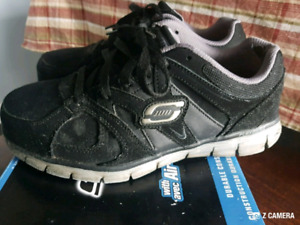 FOOT WEAR MEN'S STEEL TOE SNEAKERS SKECHERS REGULAR FIT SIZE 8.5