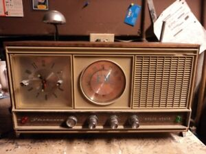 VINTAGE JAPANESE CLOCK RADIO