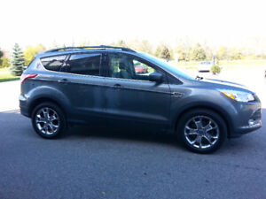 2013 Ford Escape AWD Saftied & Etested  130K