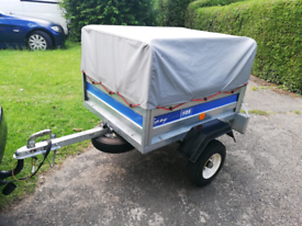 Easyline 105 trailer with high frame and cover