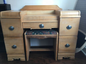 Commode Antique Maquilleuse