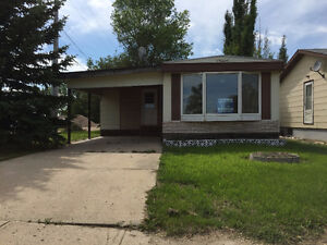 Home in the heart of Redvers Affordable!
