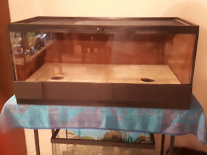 50 GALL LOCKING REPTILE / RODENT / SNAKE BREEDING TANK WITH MESH