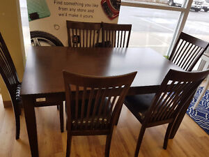 Ashley Mallenton 7pc Dinette