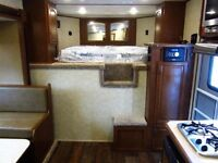 Brand New - 4 horse 5th wheel trailer n awesome living quarters