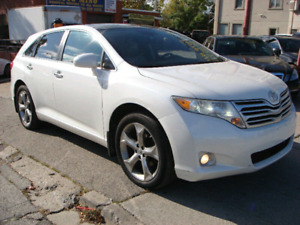 2010 Toyota  Venza AWD 167KM fully loaded