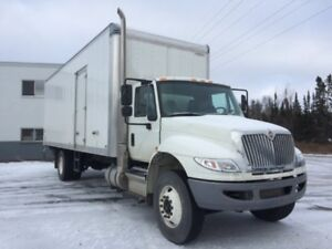 2018 International 4300 SBA 4X2, Used Dry Van