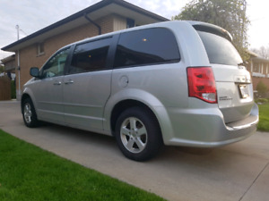 "2012 Dodge Caravan SXT plus ""Stow n Go"" Seats"