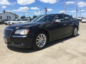 2012 CHRYSLER 300 LIMITED * LEATHER * SUNROOF * BLUETOOTH * REAR London Ontario image 2
