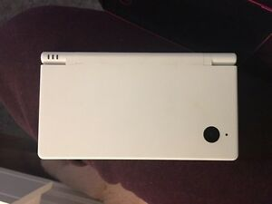 Great condition dsi with 100 full games 140 or best offer