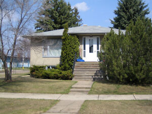 South Edmonton House For Rent with In-law Suite