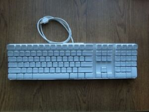 Used Apple A1048 Keyboard