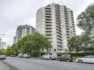 Beautiful 3 bedroom condo at the Quay with great price!