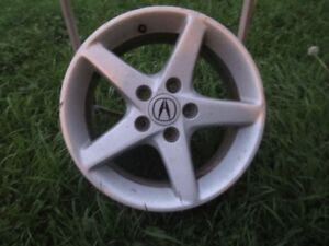 A set of 16-inch Alloy Rims for Acura!