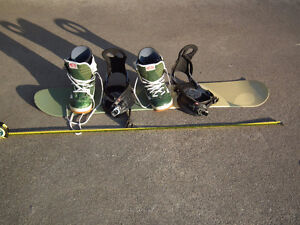 Lamar  130 cm youth snowboard with bindings and boots size 8