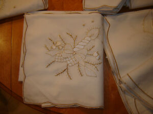 Winter / Xmas Table Linens 56 pieces London Ontario image 3