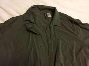 H&M Olive Green Button-Up Collared Shirt - Size 4 London Ontario image 2