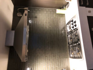 "36"" Gas cooktop and hood"