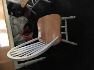 Table en bois aubaine avec 4 chaises