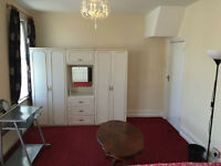 2 DOUBLES- EAST HAM -for £125 per week- all bills + wifi included