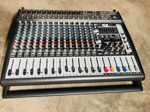 Behringer EUROPOWER PMP5000 Powered Mixer in PERFECT condition