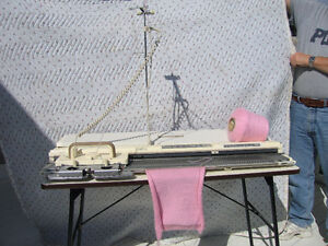 Electronic Knitting Machine & Accessories Yellowknife Northwest Territories image 3