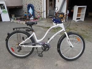 Bicyclette 28 pouces Supercycle avec casque