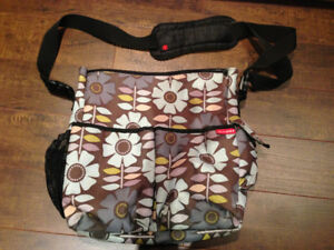 Sac a Couche SKIP HOP DIAPER BAG - WITH CHANGING PAD - langer