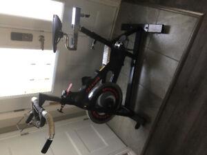 Vélo de spinning à vendre