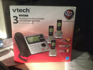 """""""Vtech"""" 3 Handset Cordles/Corded answering System"""