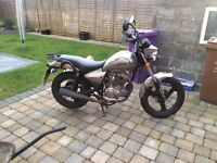 125cc Learner legal motorbike
