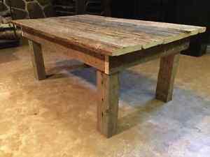 TABLE DE SALON EN BOIS DE GRANGE