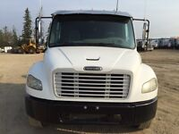 2004 Frieghtliner single axle truck