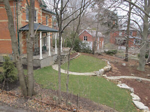 Spacious Upper Apt w/ Large Deck in Century Home, Dwntn Guelph