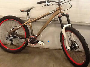 2012 norco manik mint condition maybe 10h of uses