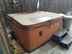 Hot Tub for sale-Personal Hydro Massage-Came with new house!