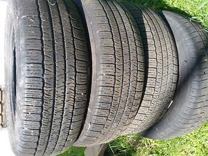 4 pneu p195/60R15 . Les 4 pour $50.00