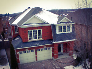 Open concept 2-story house with garage (Aurora/Newmarket border)