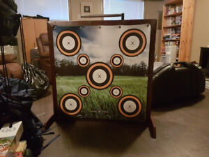 CUSTOM MADE FREE STANDING ARCHERY TARGET FOR SALE!!!
