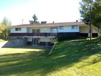 2200sqft home on acreage avail for rent out 1 in town of olds