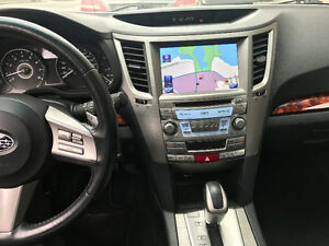 2011 Subaru Outback 3.6R Navigation / Backup camera