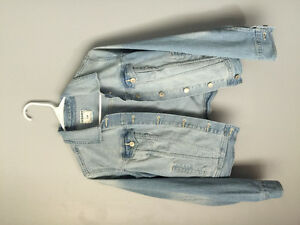 Like new jean jacket -size small
