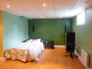 CHAMBRE A LOUER // BEDROOM TO RENT ASAP