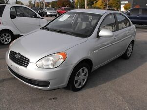 2007 ACCENT GL SEDAN  LOADED  5 SPEED  ONE OWNER-NO ACCIDENTS Windsor Region Ontario image 4