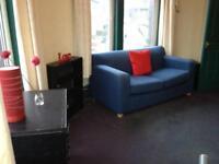 Studio flat in Flat 2 - 2 Regent Park Ave