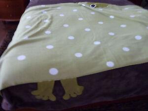 Housse de couette pour lit simple, couverture, rideau, cadres West Island Greater Montréal image 5