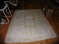 Mr. Tablecloth -Large -With matching Linen's (napkins)